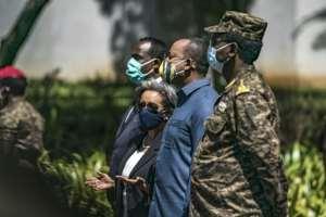 Abiy (Centre R) has so far spurned all calls for peace..  By EDUARDO SOTERAS (AFP/File)