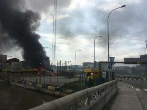 Buildings were torched in Lagos after the shooting.  By SOPHIE BOUILLON (AFP/File)