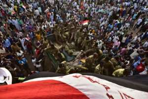 Demonstrators keep up the pressure outside Sudan's military headquarters in the capital Khartoum. By Ahmed MUSTAFA (AFP)