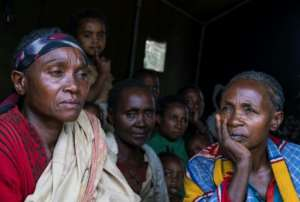 Displaced Gedeo women have been forced to take regfuge in a temporary shelter after a surge in tensions that spilled over in to violence.  By Maheder HAILESELASSIE TADESE (AFP)