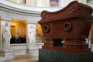 Egyptian President Abdel Fattah al-Sisi (C-rear) visits Napoleon's tomb at the Invalides in Paris on November 26, 2014.  By CHARLES PLATIAU (POOL/AFP/File)