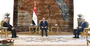 Egyptian President Abdel Fattah al-Sisi meeting Libyan commander Khalifa Haftar (R) and parliament speaker Aguila Saleh in Cairo in June 2020.  By - (EGYPTIAN PRESIDENCY/AFP/File)