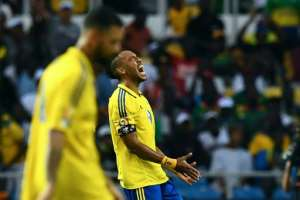 Gabon's forward Pierre-Emerick Aubameyang reacts after a teammate misses a goal opportunity during their 2017 Africa Cup of Nations match against Burkina Faso at the Stade de l'Amitie Sino-Gabonaise in Libreville on January 18, 2017