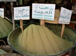 Henna powder for sale in Gabes.  By Mourad MJAIED (AFP)