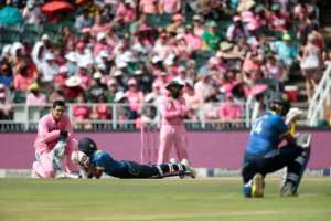 Players lay low as a swarm of bees storm the field during the third One Day International (ODI) match between South Africa and Sri Lanka at Wanderers cricket ground on February 4, 2017 in Johannesburg, South Africa