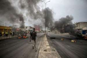 Protesters in early May barricaded the streets of Cadjehoun, the stronghold of Boni Yayi.  By Yanick Folly (AFP)