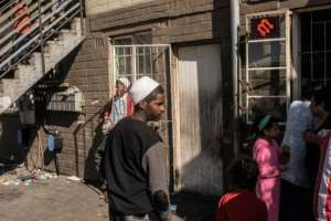 Residents suffer as rival gangs battle for control.  By RODGER BOSCH (AFP/File)