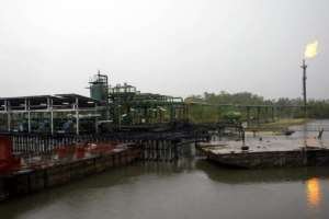 The Shell Oil Batan flowstation at Warri South district of the Niger Delta.  By Pius Utomi Ekpei (AFP/File)