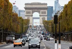 Some Paris medics voiced fears that steady traffic showed the public was not taking the second lockdown seriously.  By Thomas COEX (AFP)