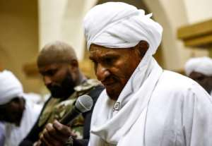 Sudan's former premier and key opposition leader Sadiq al-Mahdi.  By ASHRAF SHAZLY (AFP/File)