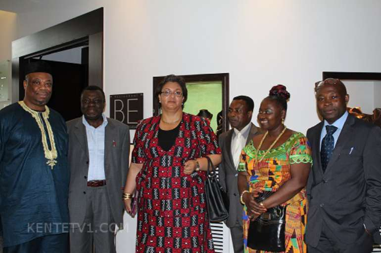 COMMUNITY LEADERS WITH FOREIGN MINISTER