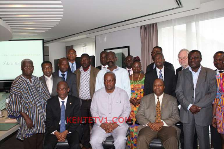 GHANAIAN COMMUNITY LEADERS WITH THE PRESIDENT, FINANCE MINISTER & AMBASSADOR BROWN
