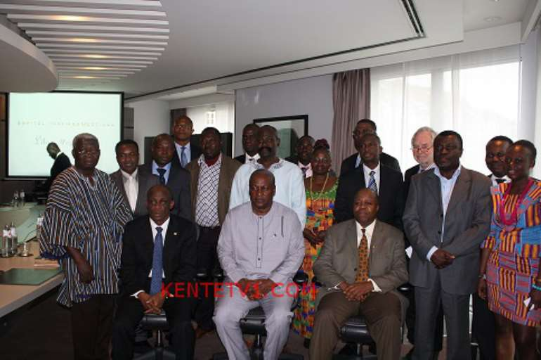 GROUP PICTURE WITH THE PRESIDENT, FINANCE MINISTER & AMBASSADOR BROWN