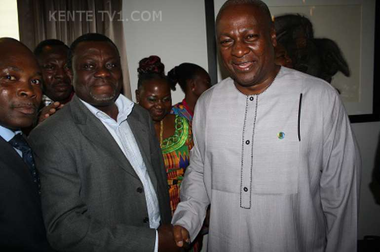 IMG 6367 MR ACHEAMPONG WELCOMING THE PRESIDENT