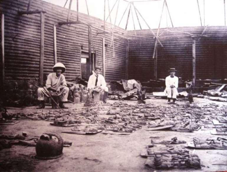 british officials with looted benin artefacts