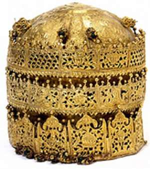 Crown of Tewodros II, Ethiopia, the Victoria and Albert Museum, London, United Kingdom. Looted during the invasion of Magdala in 1868 by a British Punitive Expedition army. (6)