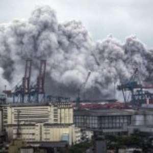 Explosion Unleashes Toxic Gas In Santos