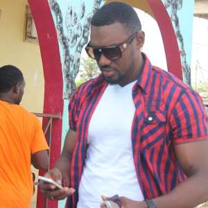 Actor Eddie Watson cries for Ebola victims