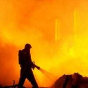 Australia Bushfire Threatens More Towns