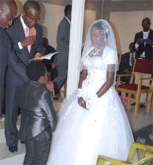 Nollywood Star 'Aki's' White Wedding