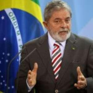 Brazil Police Question Ex-Leader Lula