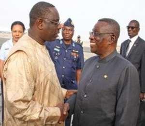 President Sall welcoming President Mills