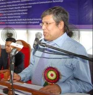 Honorable Vice-Chancellor of WUB Professor Abdul Mannan Choudhury, PhD addressing.