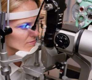 Arthritis is just one of at least five diseases that can first be picked up during an eye exam, which can be a window into systemic illness. (Getty Images)