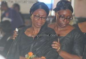 Dignitaries pay respects to Komla Dumor (Photographs)