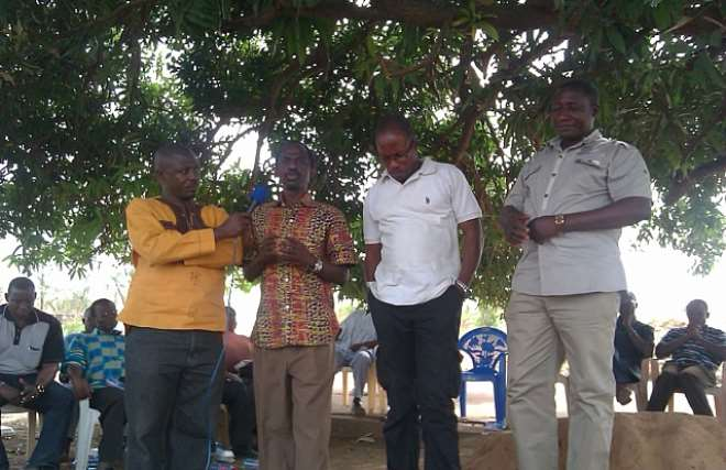 THE EXECUTIVE DIRECTOR ADDRESSING THE PERSONNEL AND VOLUNTEERS AT THE FARM