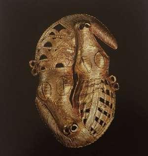 Gold jewel of two crocodiles, Baule, Ivory Coast, now in Musée du quai Branly, Paris, France.