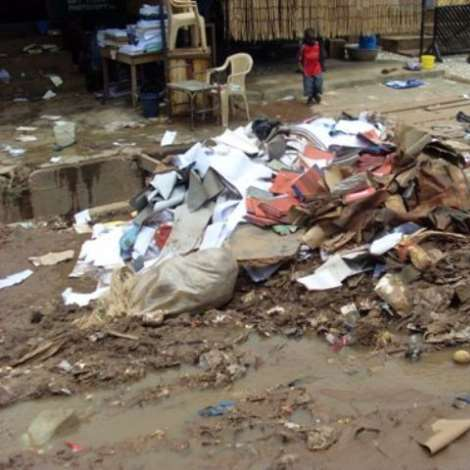 show the mess left behind at the Kaneshie Market   gna