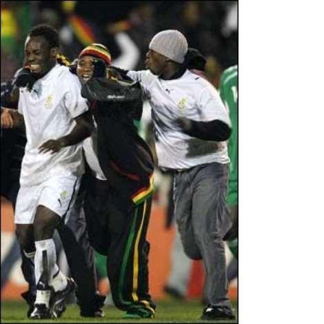 Ghana fans mob Essien