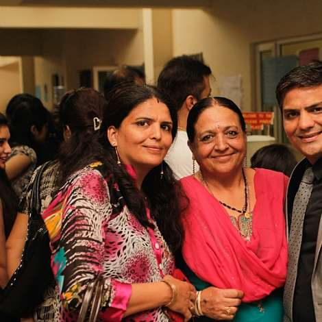 DIRECTOR OF DPSI AND CEO OF B5 PLUS LIMITED, MR. MUKESH THAKWANI (R) IN A PICTURE WITH SOME PARENTS