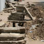 Workers of the Accra Metropolitan Assembly (AMA) have been desilting choked gutters in the city.