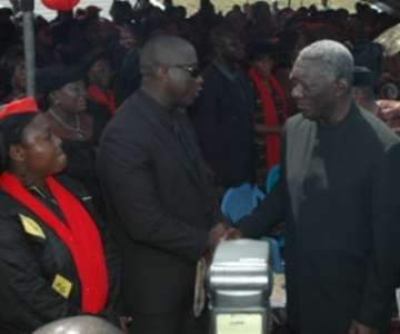 The father of the nation, President Kufuor tells young Derrick Ayebo, son of Madam Yakubu to be strong.<br/>Source: GNA