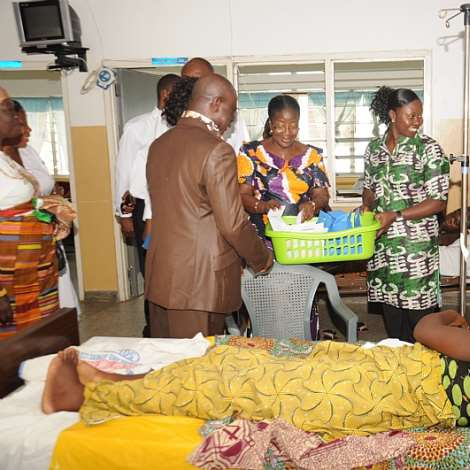 MRS. MATILDA AMISSAH-ARTHUR GAVE OUT GIFTS THE KIDS.