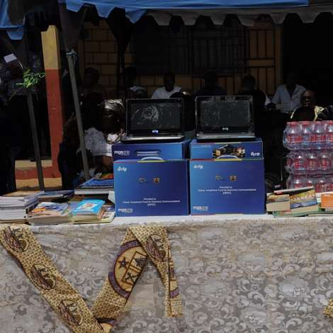 COMPUTER AND BOOKS DONATED BY THE 2ND LADY MRS. MATILDA AMISSAH-ARTHUR (1)