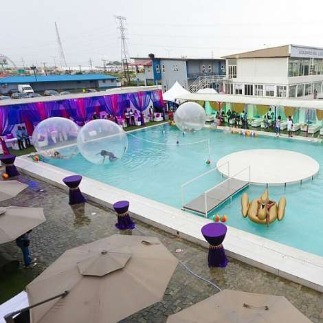 Quilox ultra pool party the