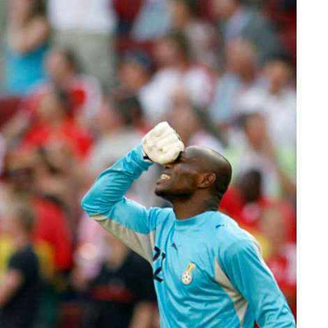 Ghana's Goalkeeper Richard Kingston Reacts To A Missed Penalty By Ghana's Asamoah Gyan During Their Group E World Cup 2006 Soccer Match Against The Cz