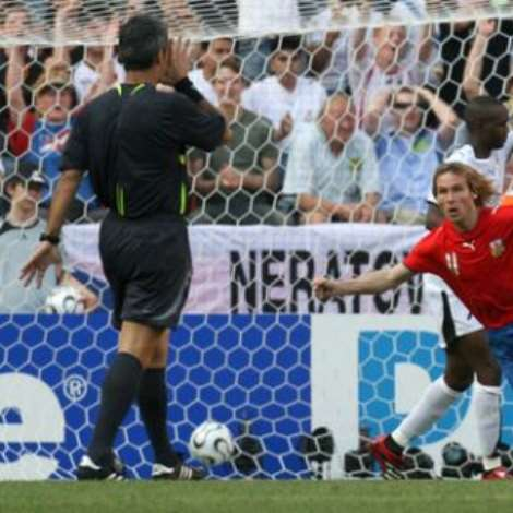 Czech Republic's Pavel Nedved Looks At Referee Horacio Elizondo Of Argentina (L) As He Disallows A Goal During Their Group E World Cup 2006 Soccer Mat