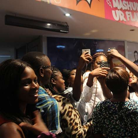 ITS SELFIE TIME FOR YVONNE AND FANS  (2)
