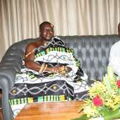 Otumfuo Osei Tutu II pays courtesy call on President John Mahama