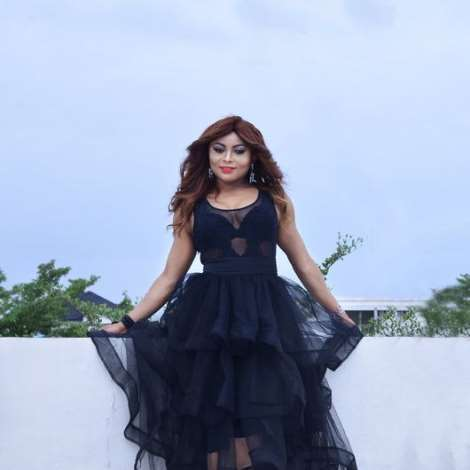 French Beauty and fashionista, Veronique Adaa back to the Fashion Scene