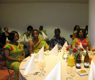 DINNER PARTY WITH  THE PRESIDENT - HOLLAND 06