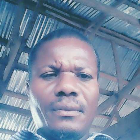 Eric  Semanhyia