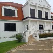 4 Bedroom House + Pool for Rent – Trassaco