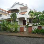 4 bedroom house with pool in Cantonments