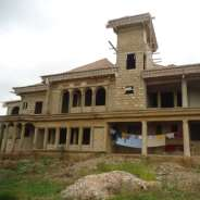 Uncompleted 11 bedroom house for sale at Kwabenya