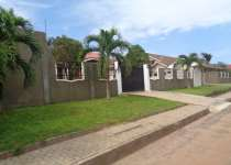 3 bedroom house with garden for rent in Airport Hi